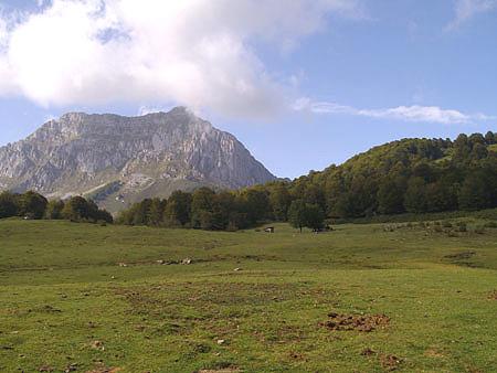 La Montaña amenazada: Reflexiones de Eduardo Martínez de Pisón.