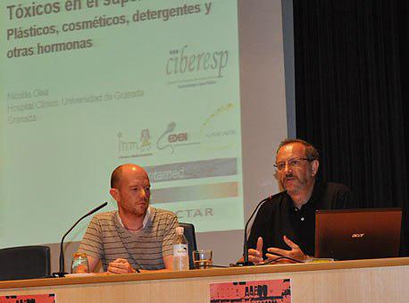 Nicolás Olea Serrano diserta sobre los Contaminantes Orgánicos Persistentes.