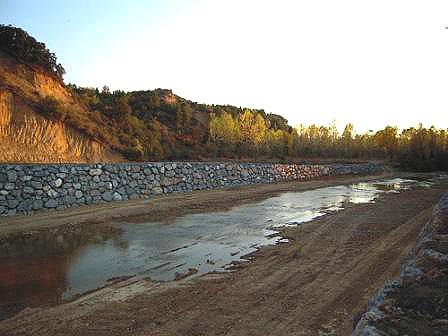 Vuelven las escolleras a los ríos Torío y Bernesga
